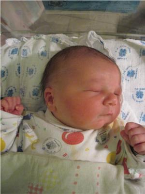 宝宝Jonathan,出生几小时后