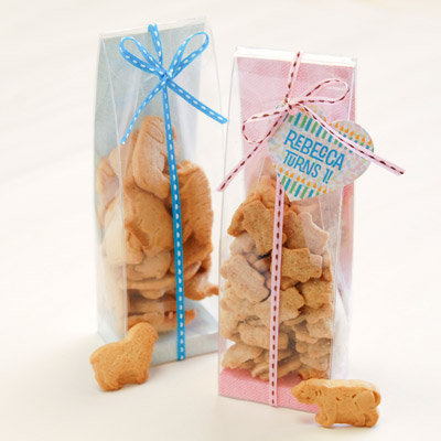 Animal cracker baby shower favors