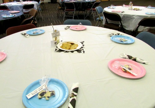 Moo Cow Gender Reveal Baby Shower Guest Tables
