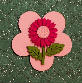 Flower  wooden shaped magnet with felt decoration baby shower favor