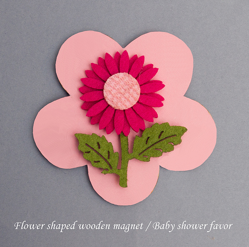 Flower shaped wooden magnet with felt decoration baby shower favor